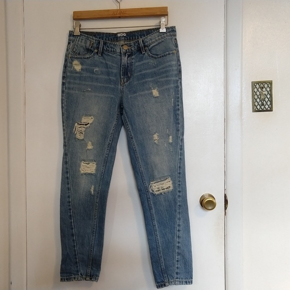 BDG Denim - Urban Outfitters BDG Distressed Boyfriend Jeans 26